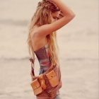 beach hair/outfit