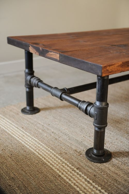 Merveilleux DIY Industrial Coffee Table For Man Cave