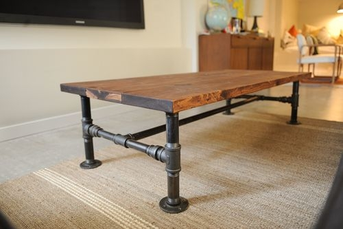 diy industrial coffee table with plumbing pipe base 2