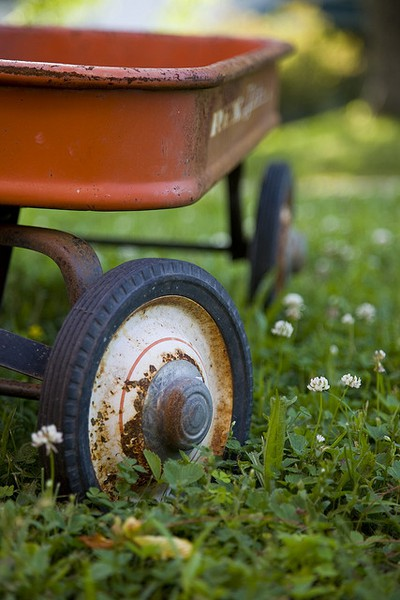 Vintage-red wagon